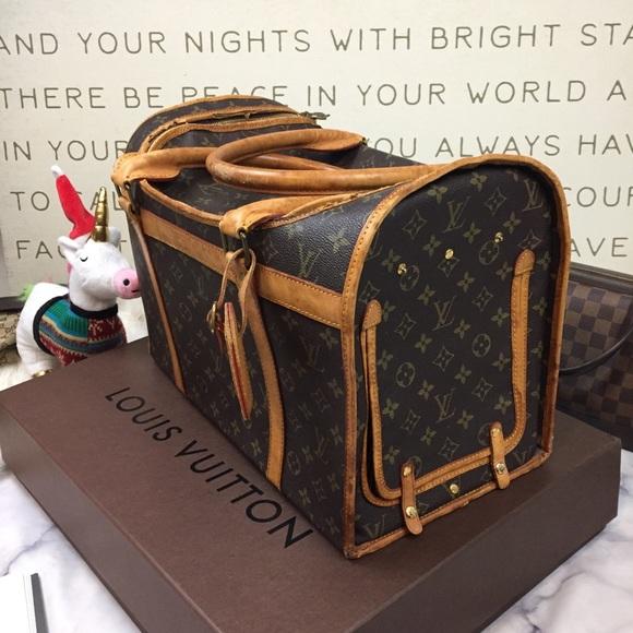 2907f6fa1b6 Louis Vuitton Handbags - RARE 💯 auth. Louis Vuitton Sac Chien dog carrier